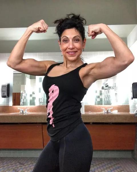 Регулярные занятия спортом помогли женщине победить рак груди