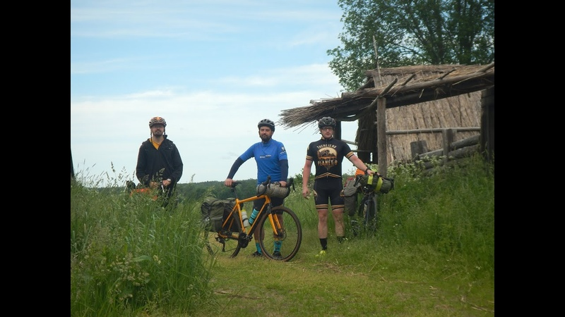 Велосипедный марш-бросок в Кинодеревню, чтобы переночевать в барском доме. 270 км за 2 дня)