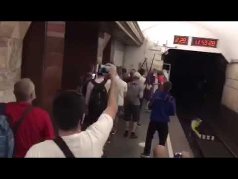 Хунвейбины Авакова Зеленского в киевском метро