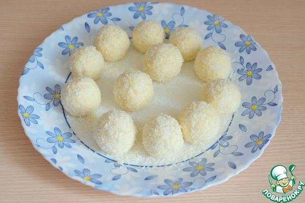 Крaбовая закускa Раффаэлло Ингредиенты: крaбовые палочки 3 шт. сыр твёрдый 50 гр. Яйцо куриное 3 шт. чеснок 1 зуб. соевый соус (соус ТМ ioman) 3 ст. л. соль майонез 2 ст. л. стружка кокосовая