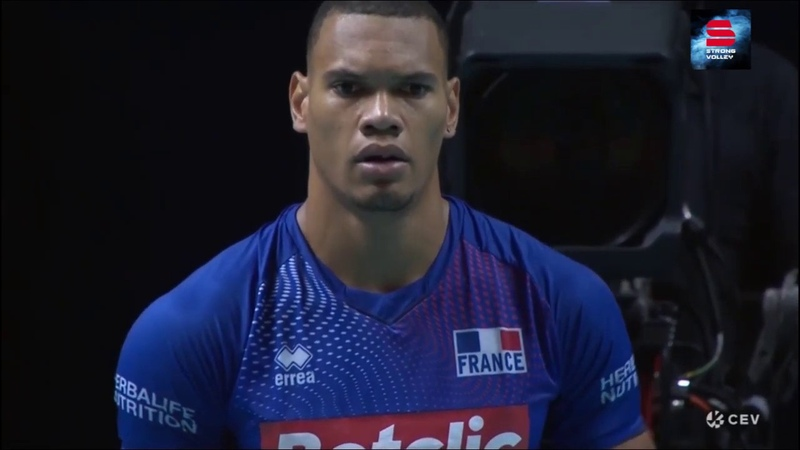 Volleyball Stephen Boyer of France kills Italy with 5 and 3 aces in a row