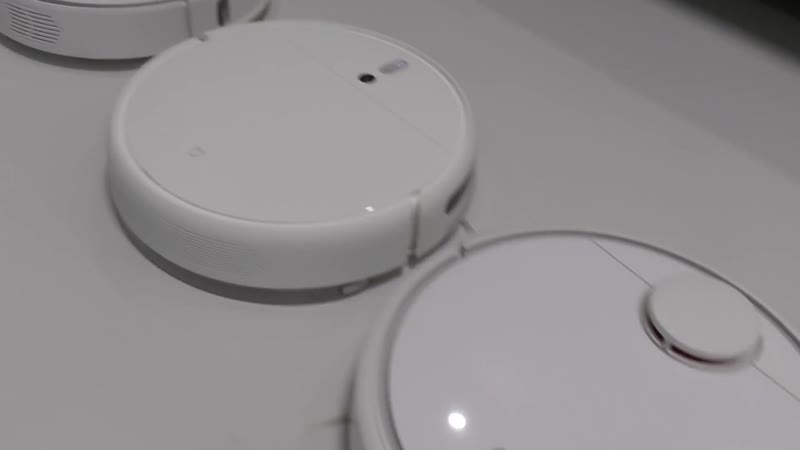 Сравнение Робот пылесоса Xiaomi Mijia Sweeping Vacuum Cleaner 1C с Roborock и Vacuum Cleaner