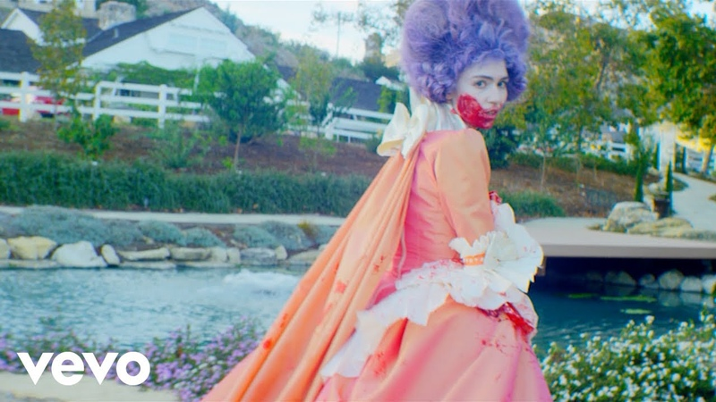 Grimes - Flesh without BloodLife in the Vivid Dream