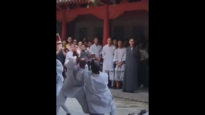 схватка монаха c dfnrf vjyf f