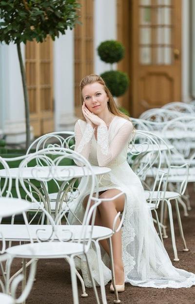 Анна Смолянинова