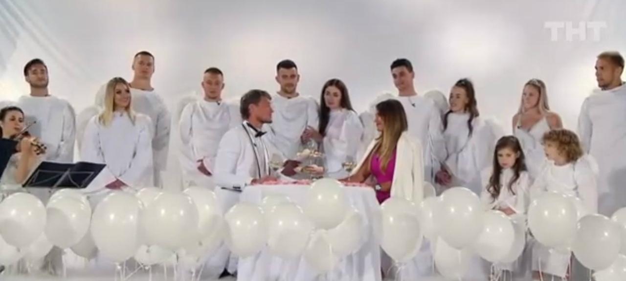 Александр Задойнов предложил Ксении венчаться.