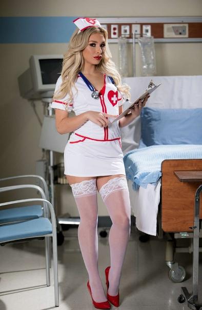 World's hottest nurse on instagram
