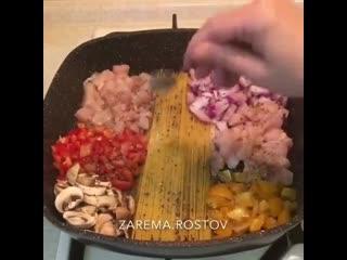 Невероятно вкусный и сытный салатик -которым можно накормить всю семью !