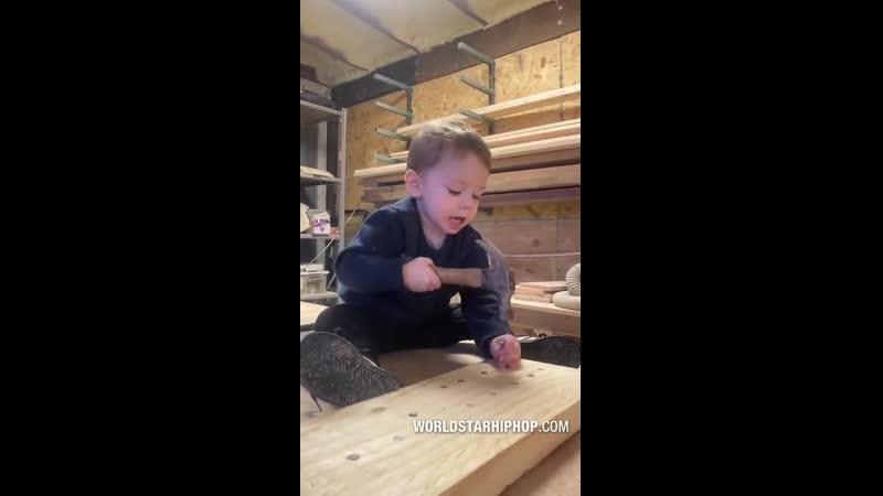 Учит быть мужиком с детства