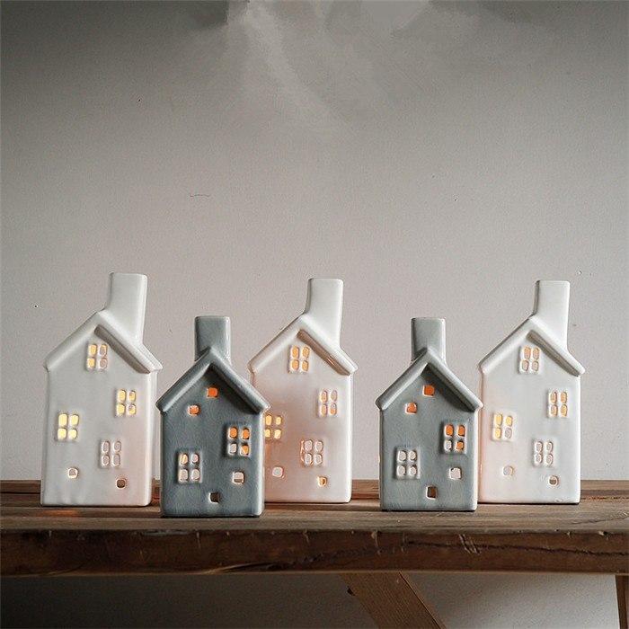 Подсвечники в виде домика -