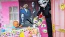 СЕМЕЙКА АДАМС В ГОСТЯХ У КАТИ И МАКСА Веселая семейка Барби лайфхаки для кукол переделка Мортиша