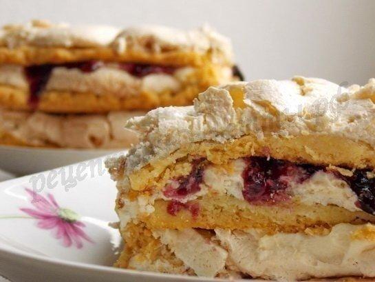 Нежнейший Тортик Джулия Вкус - невероятныйТесто:- 2,5 стакана муки;- 1 пачка сливочного маргарина (250г);- 0,5 чайной ложки соды;- 0,5 столовой ложки уксуса;- 2 столовых ложки сахара;- 2