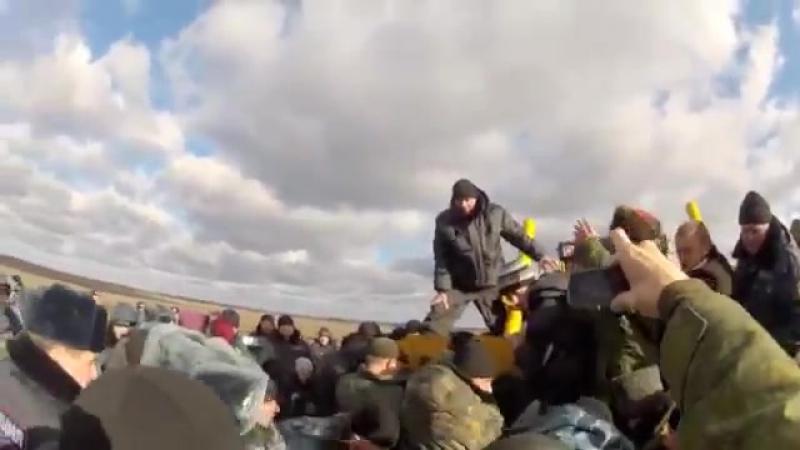 Прихоперье - казаки останавливают трактора, ноябрь 2017