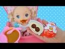 Куклы Пупсики Беби Элайв Соня кушает кашу и Киндер Джой, открывает сюрприз. Играем в куклы Зырики ТВ