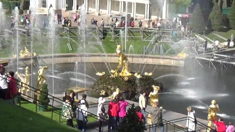 Нижний парк в Петергофе за 900 трудовых рублей у многих останется в памяти на всю оставшуюся жизнь. вид. 984