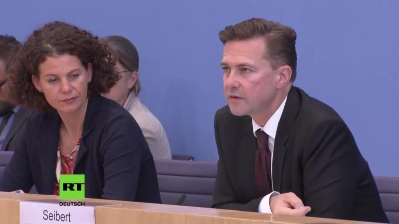 RT Deutsch - Merkel-Sprecher zu UN-Bericht über IS-Erholungszone in US-Einflussgebiet_ Äh, kenn ich nicht... _ Facebook [HD]
