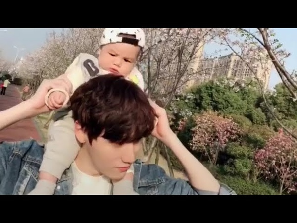 Cute young Daddy and Mummy videos in Tik Tok China/Douyin