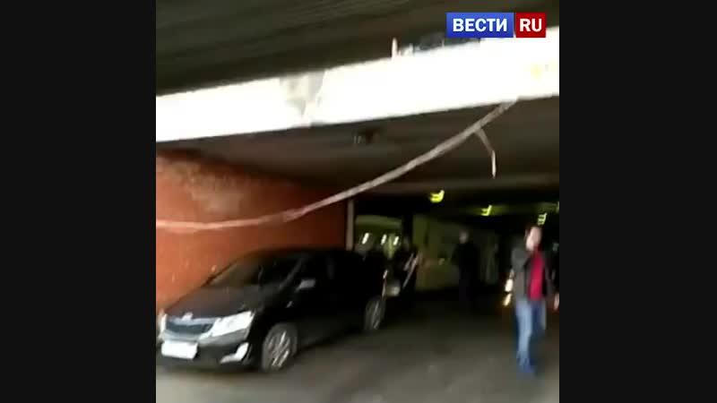 Ивановский автомойщик уронил Мерседес со 2-го этажа парковки в Москве