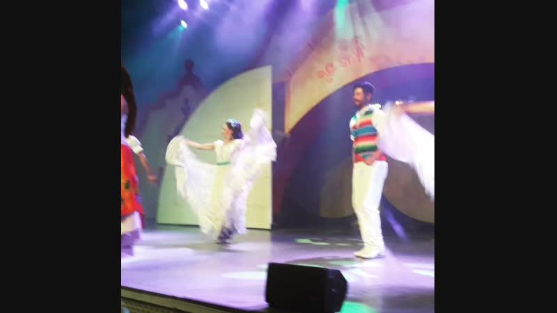 Театрализованные представления в парке аттракционов Порт Авентура