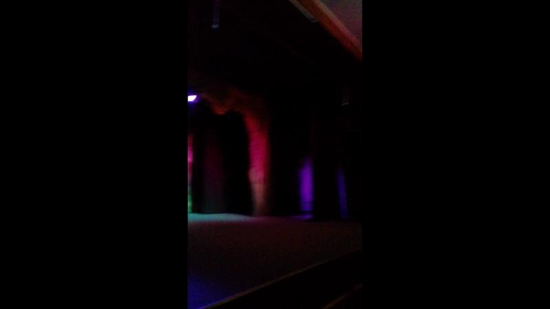 Не надо стесняться) Марьяна на сцене Казачьего Театра во время антракта танцует для публики😁 21.01.18