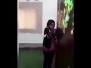 Mermez Une femme koweïtienne humilie sa domestique asiatique ou africaine en lui jetant des chaussures dessus et en incitan