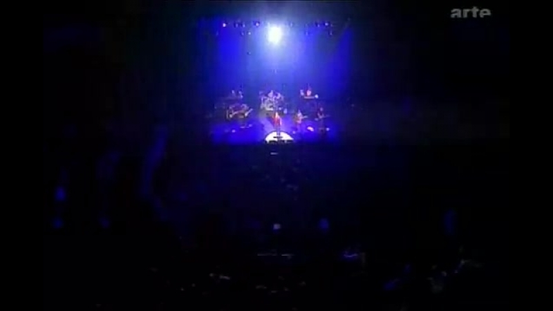 David Bowie - I39;m Afraid of Americans (Live) - YouTube