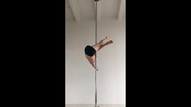 Видео элементов на пилоне от тренера pole fitness Ильи Медведева