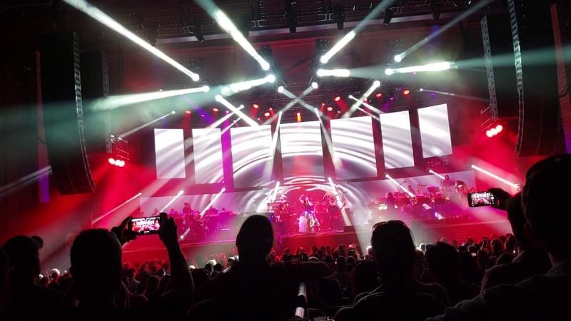 8/29/18 Evanescence Live Phoenix - Bring me to life (@13min of 30min clip) Tripod - HD Good Sound