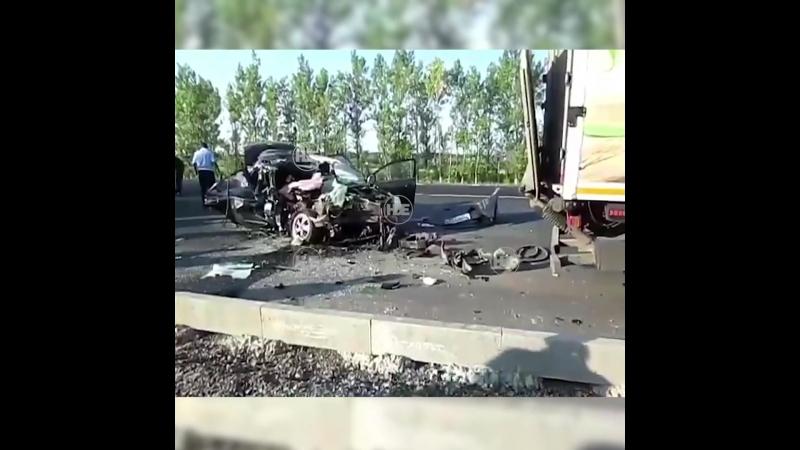 На трассе Курск — Воронеж водитель уснул за рулём, погибли двое