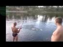 Приколы на рыбалке! Охота на рыбу!_VIDEOMEGA.mp4