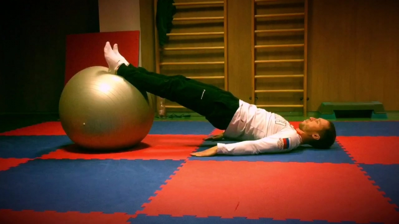 Supine hip extension knee flexion