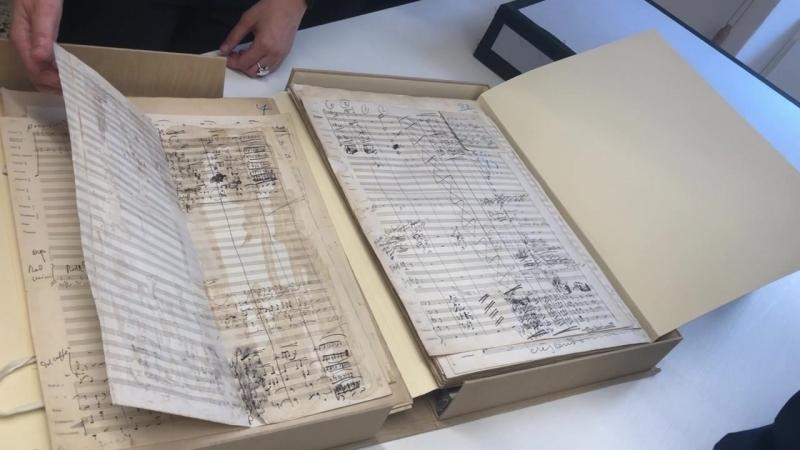 Пьерлуиджи Ледда показал участникам встречи рукопись оперы Дж. Пуччини Богема