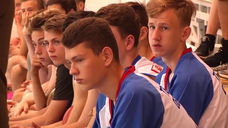 Юные тверские баскетболисты встретились с легендой