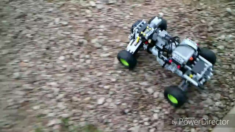 Lego technic 4x4 offroad car with Sbrick