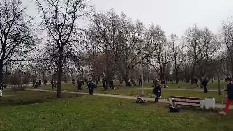 Николай Платошкин Выбросим капитализм на свалку Субботник в парке Гольяново Москва mp4