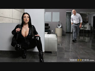 [Brazzers] Angela White - Busting On The Burglar New Porn 2019
