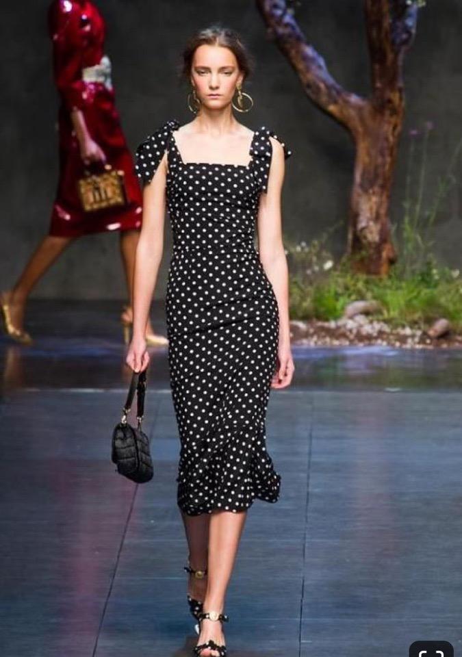 У наc в  наличии новый хлопок сатин Dolce&Gabbana