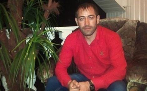 Чеченца, который убил троих российских военнослужащих, оправдали и отпустили. Житель Чечни Расамбек Бекмурзаев был обвинен в том, что в октябре 2000 года в городе Урус-Мартана на авторынке он в