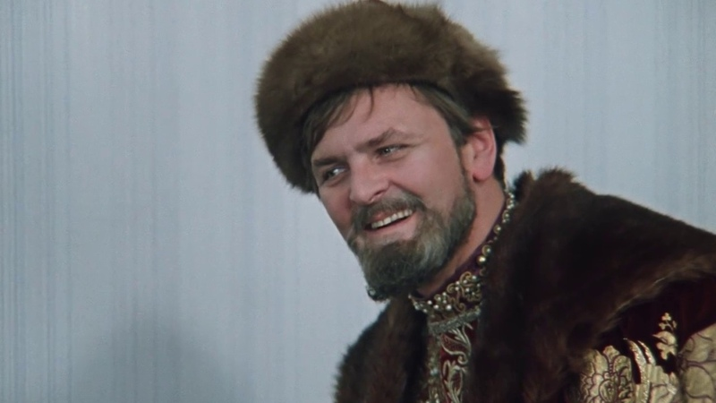 Иван Васильевич исследует квартиру . Иван Васильевич меняет профессию. 1973