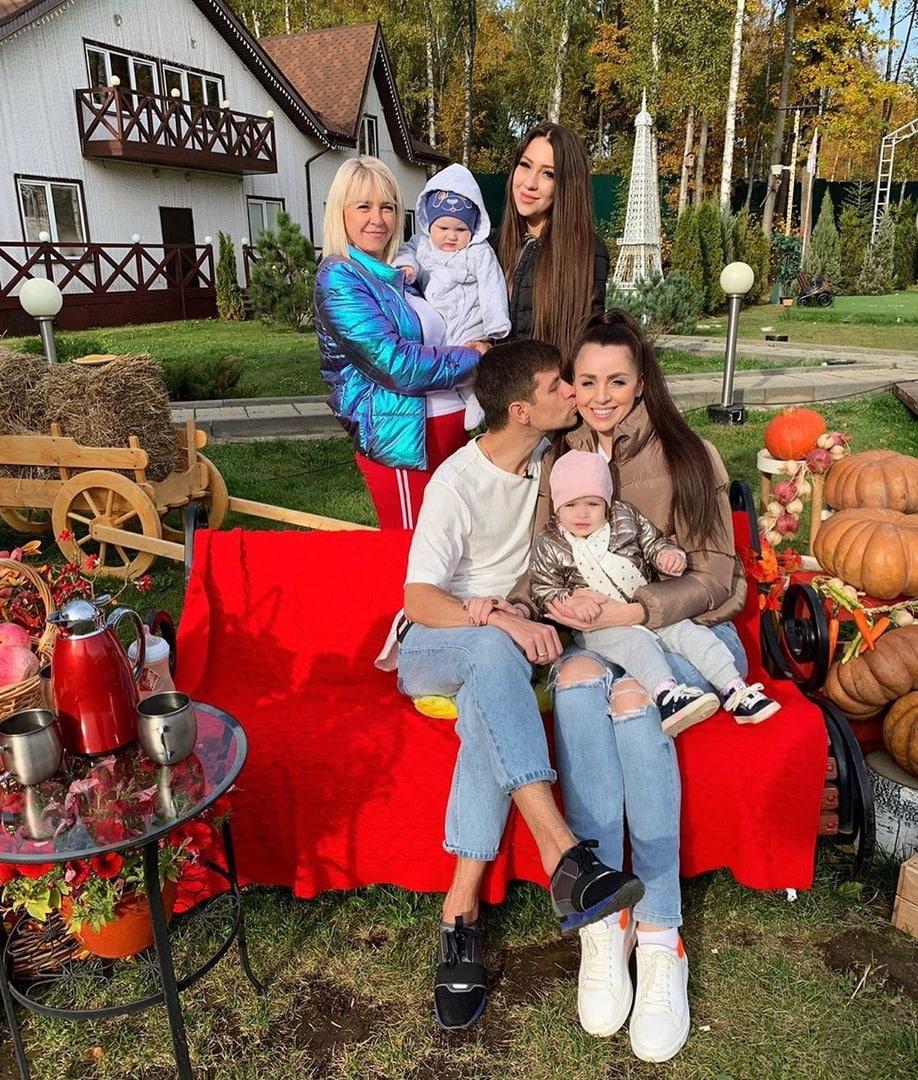 Ольга Рапунцель планирует отдать Василису в элитный детский садик