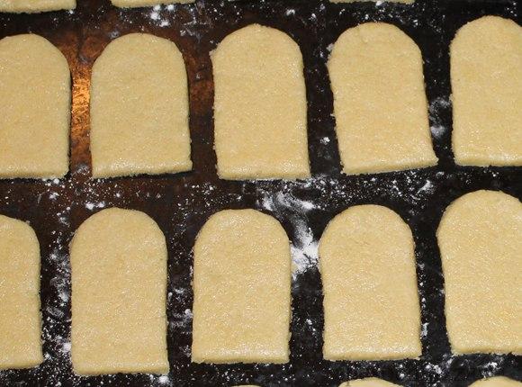 ПЕЧЕНЬЕ ПАСХАЛЬНЫЕ КУЛИЧИКИ Скоро Пасха, но не все могут печь куличи по разным причинам. Предлагаем приготовить вот такие куличи-печенье к Пасхе. Они просты в приготовлении и оригинальны. Вам
