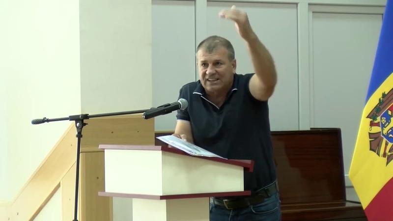 Депутат Сергей Чернев Начальник УВД Гагаузии прикрывает воровство которое творится у нас в Гагаузии
