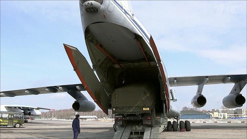 В Подмосковье готовятся к вылету самолёты ВКС России,...