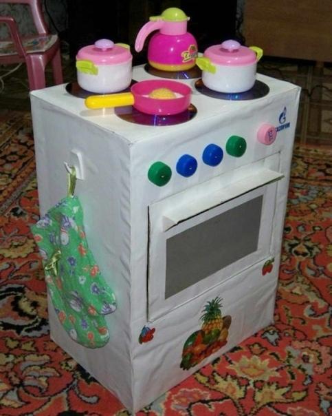Вот такая кухонька у нас получилась Папа сделал для хозяйственной дочурки.