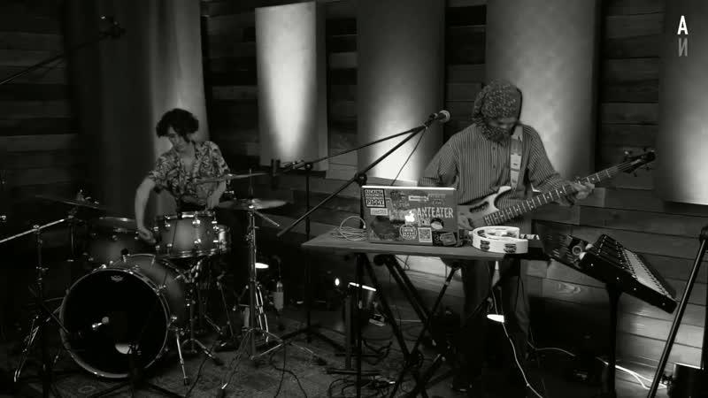 Yan Fisher His Imaginary Band Танцы в холмах live Частота ITV