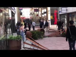 Shopping mall in Goteborg looted after BLM protest