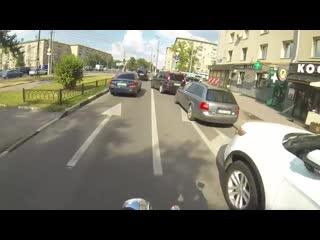 Неуловимая девчонка на мотоцикле против мусора.mp4 ytekjdbvfz ltdxjyrf yf vjnjwbrkt ghjnbd