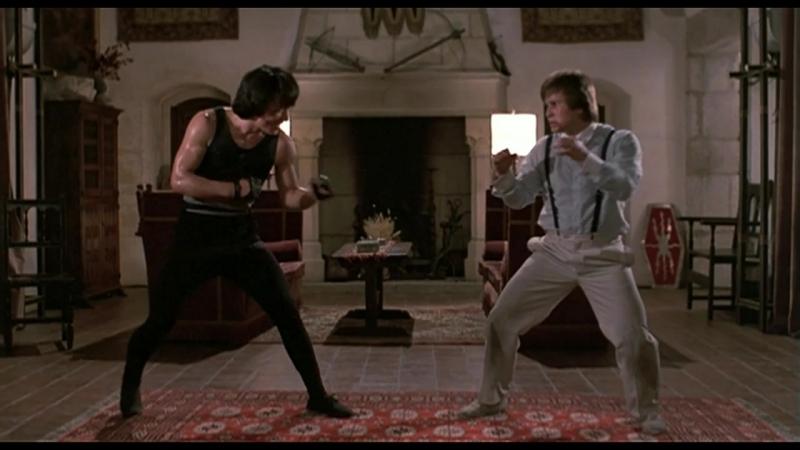 Джеки Чан и Бенни Уркидес в фильме << Закусочная на колёсах / Kuai can che, 1984 >> Одна из самых известных сцен боевых искусств