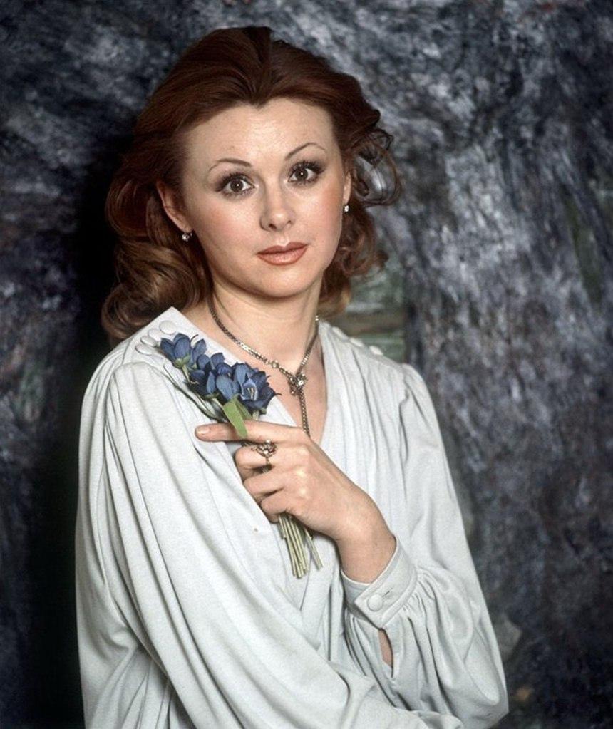 Сегодня свой день рождения отмечает Селезнёва Наталья Игоревна.