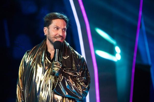 Александр Ревва прокомментировал Филиппа Киркорова в шоу Маска: «Доминация Филиппа Киркорова меня не пугает»Молодец. Никого и ничего не